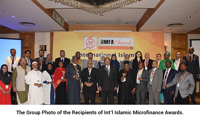 The Group Photo of the Recipients of Int'l Islamic Microfinance Awards.